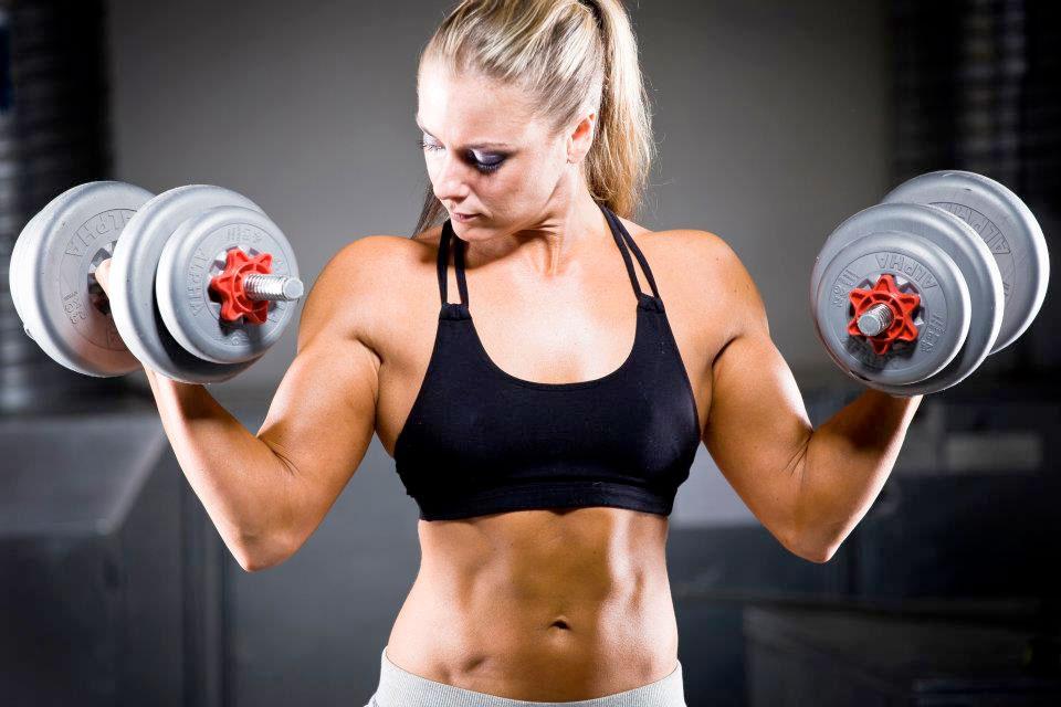 Mirka Loman, Seirenkain musta vyö sekä Fitnessin SM 2011